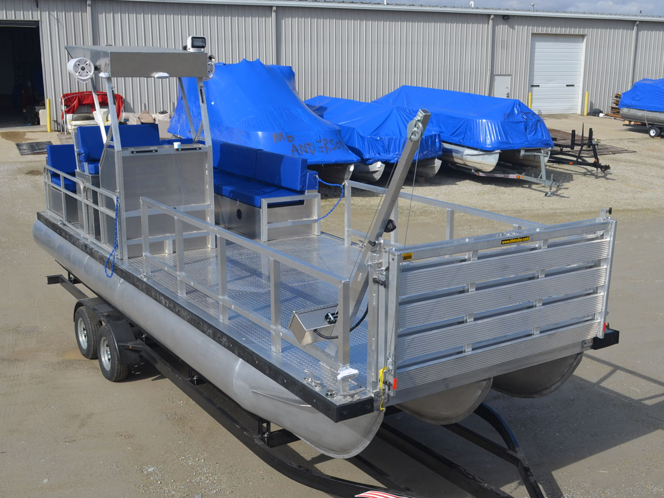 PONTOON USED EQUIPMENT