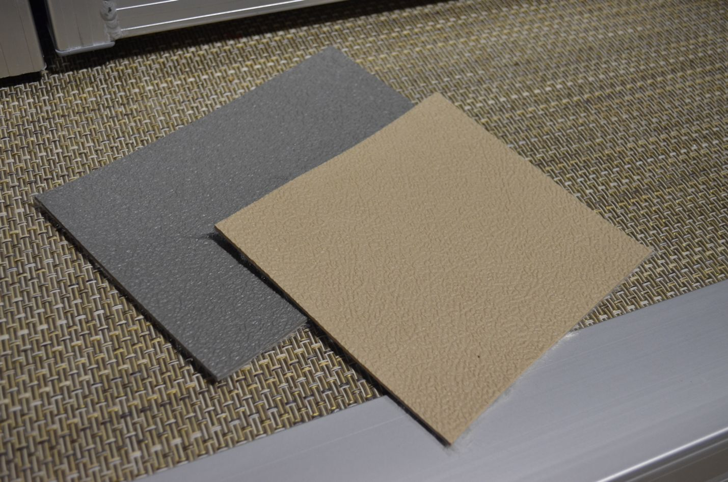 Pontoon carpet vs vinyl carpet vidalondon for Vinyl floor covering